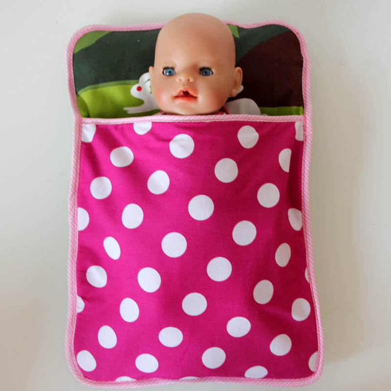 Puppenschlafsack gesamt - finished doll sleeping bag