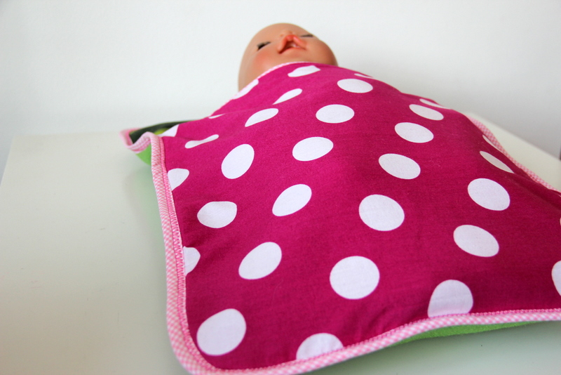 Schlafsack für die Puppe - sleeping bag for doll