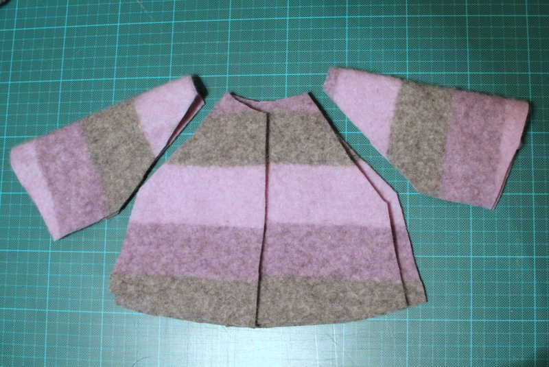 Teile für Puppenmantel - parts for doll's coat