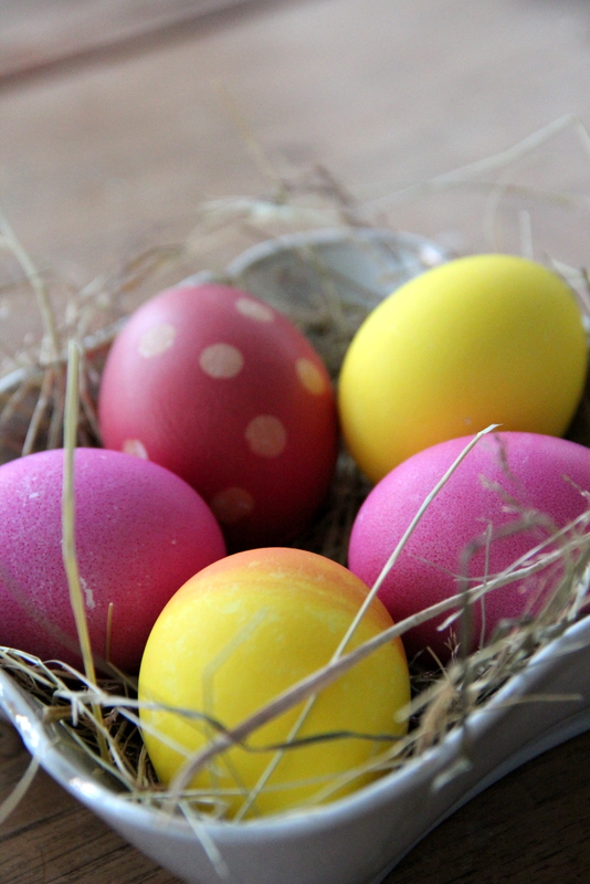 gefärbte Ostereier - coloured easter eggs