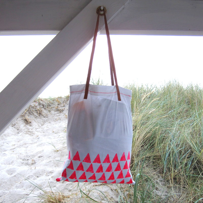 Tasche im Einsatz - tote bag at the beach