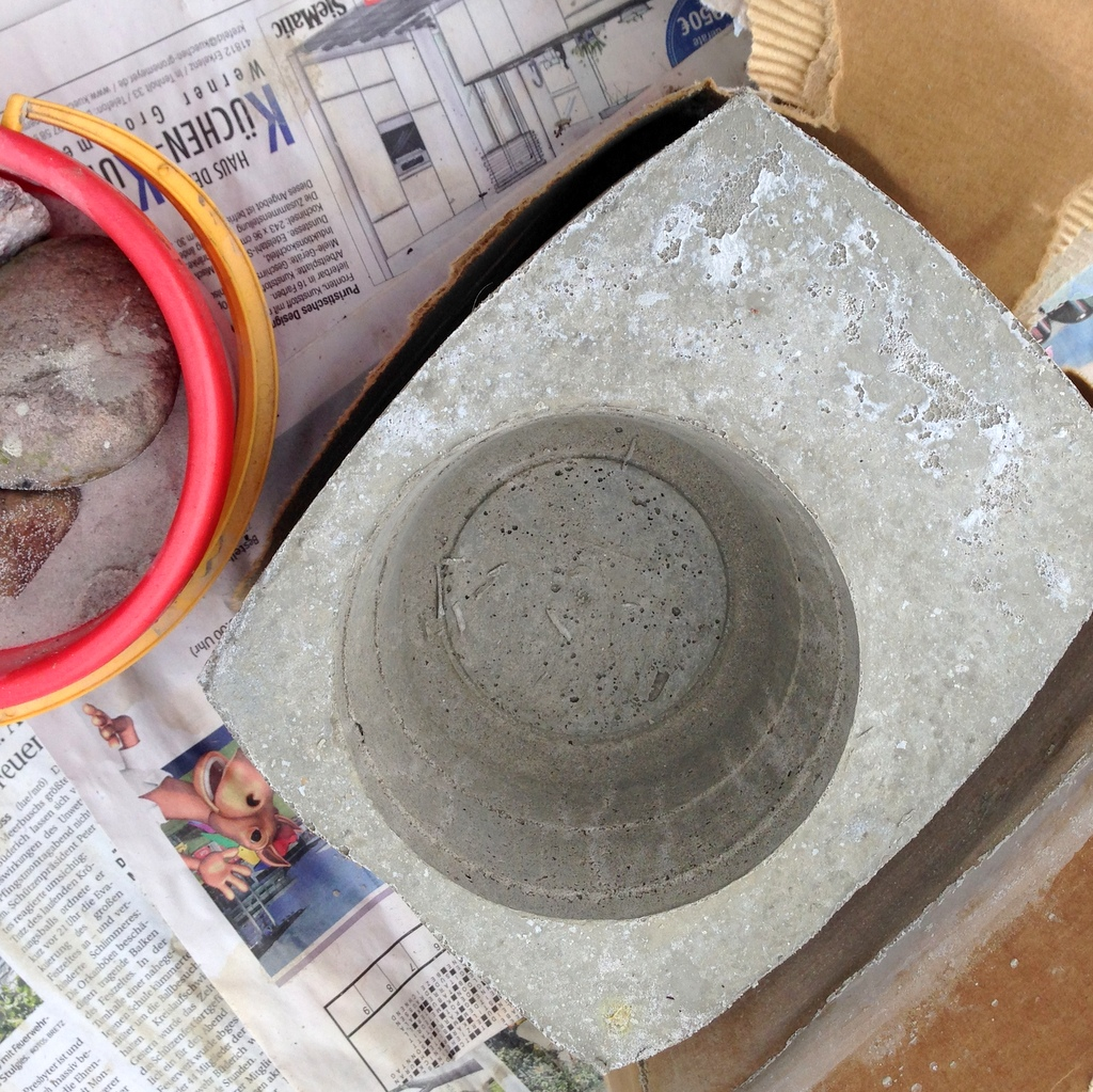 concrete plant pots DIY tutorial