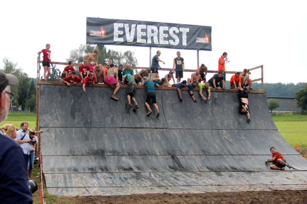 Everest HIndernis Tough Mudder